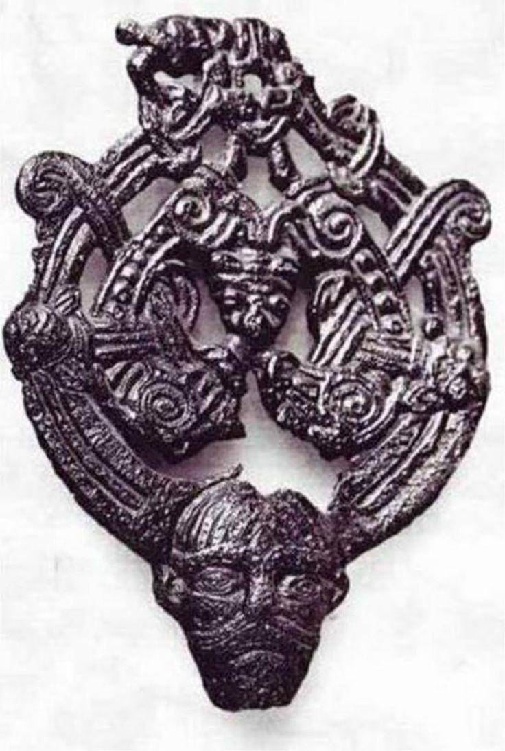 Vikingatida beslag av brons från Ringerike i Norge