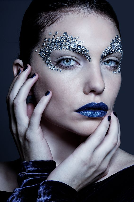 Beauty with strass by Luciana Romero