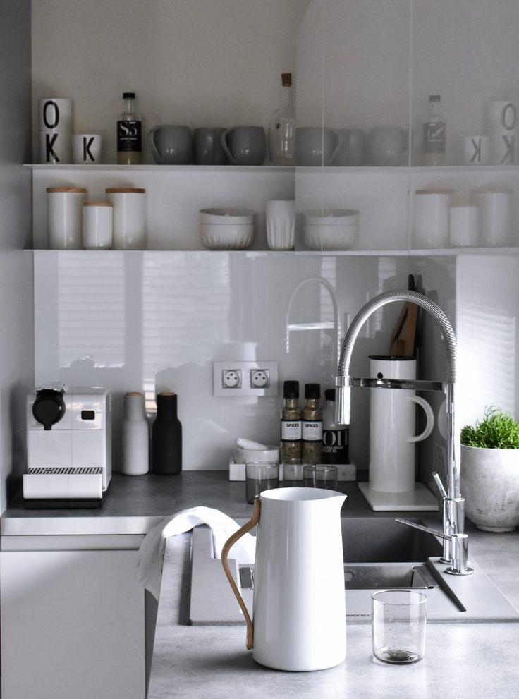 Biela, sivá a čierna nie sú v škandinávskom štýle dogma.Inšpirácia od Bonami