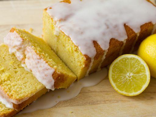 Gâteau délicieux au citron avec son glaçage ( pour 8 personnes ) sur le site http://www.marmiton.org/recettes/recette_gateau-au-citron_18387.aspx