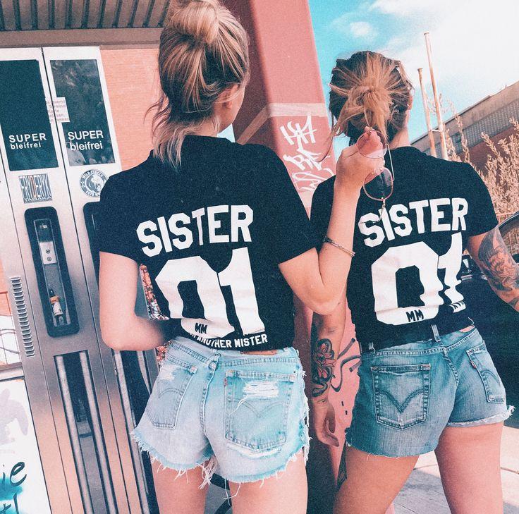 2er Set Hamburger Haenger ® Sister From Another Mister T-Shirt Schwarz Weiss