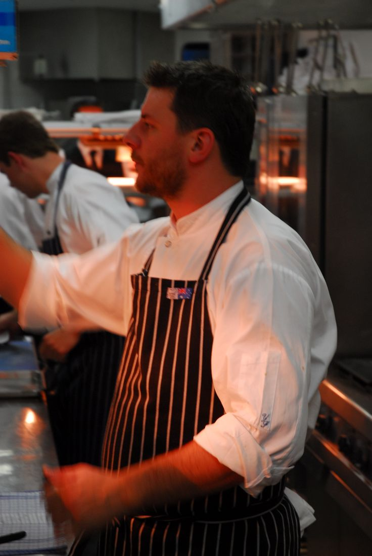 Sketching Manu Feildel on the pass at Bilson's