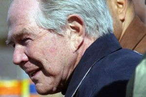"""Hmm..seriously Pat?! You are a part of what is wrong with our society. He is so offensive it's hilarious! Pat Robertson: Husbands won't cheat if the wife makes the home """"wonderful"""""""