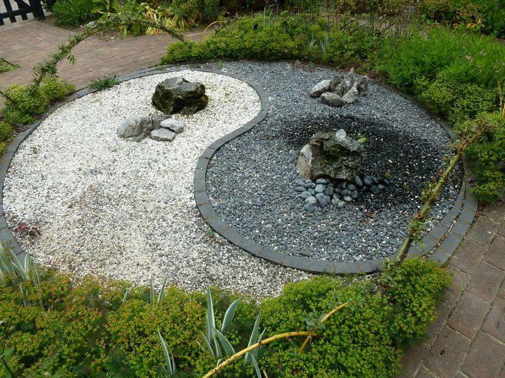 11 best yin yang garden design images on pinterest yin for Jardin yin yang