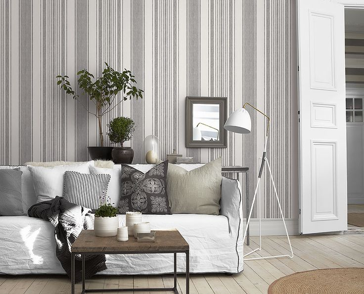 Wallpaper from the collection Collected Memories in the color White, Black and pattern Stripes.