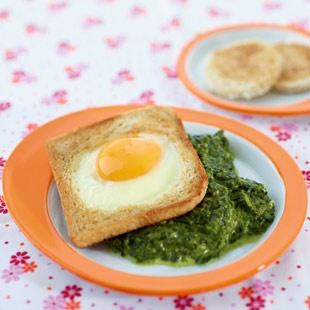Spinat mit Ei-Toast