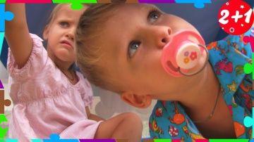 Bad Baby УЛЕТЕЛИ НА ВОЗДУШНОМ ШАРЕ!!! Вредные детки играют вместе! Семейный влог! Family fun vlogs http://video-kid.com/21129-bad-baby-uleteli-na-vozdushnom-share-vrednye-detki-igrayut-vmeste-semeinyi-vlog-family-fun-vlo.html  Bad Baby Вредные Детки, залезли в детский манежик для малышей и сделали из него воздушный шар!Вредные детки и веселый влог, влоги, в которых мы играем вместе как мама и как папа! Семейный веселый влог!Bad Baby Bad Kids, climbed into the children's playroom for kids and…