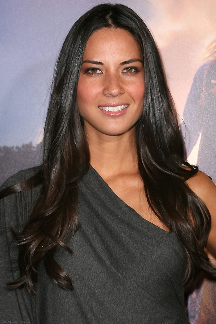 Olivia Munn, love her. Nothing like dark shiny hair.