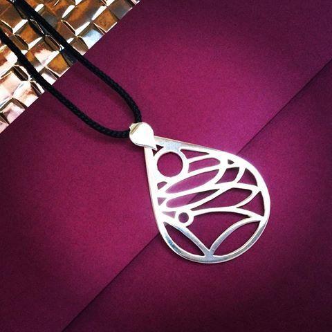 Small #CheerMe #pendant for a #beautiful #bride! Congratulations Lilla…