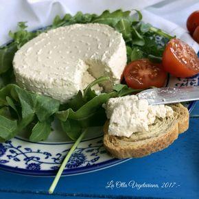 Con mi nuevo molde para hacer quesos en casa estoy encantada, así que si hace unas semanas os enseñaba a hacer un queso fresco vegano ...