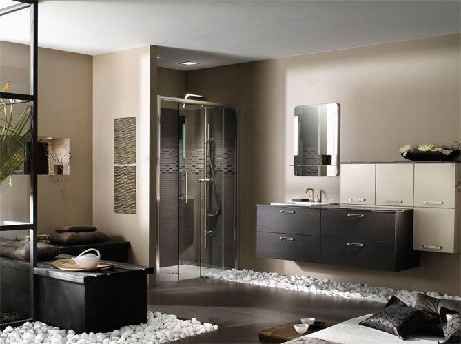 Pour se détendre après une longue journée de travail, rien de tel qu'un bon bain chaud dans une...