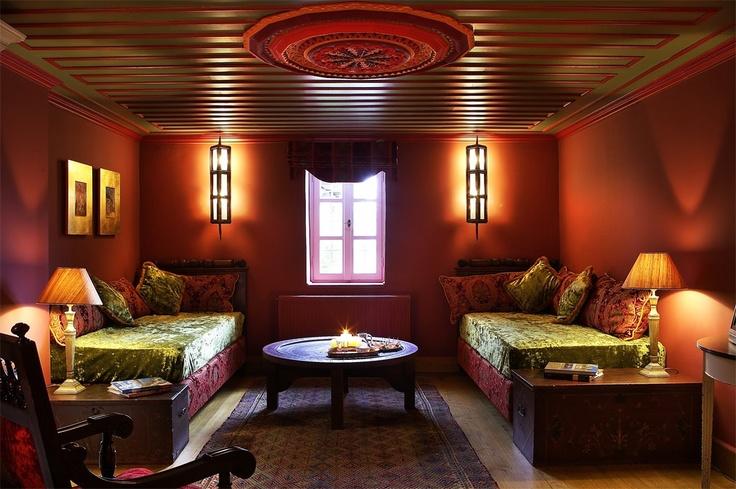 Divan style room!