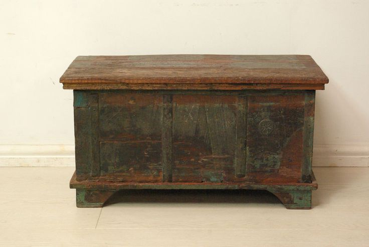 Beautiful brown Antique solid wood chest storage trunk