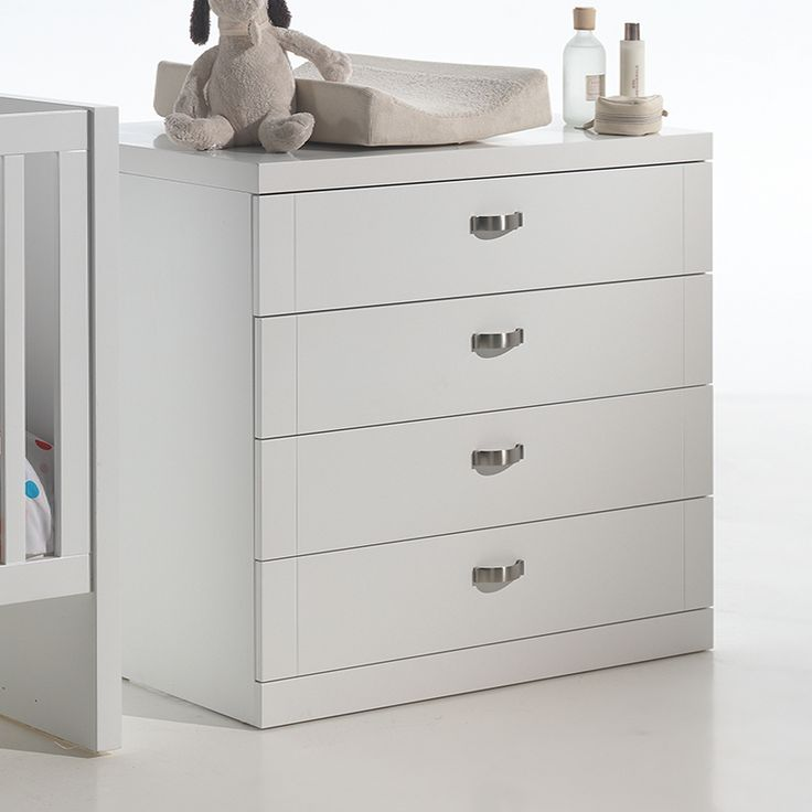 commode noire laquee maison design. Black Bedroom Furniture Sets. Home Design Ideas