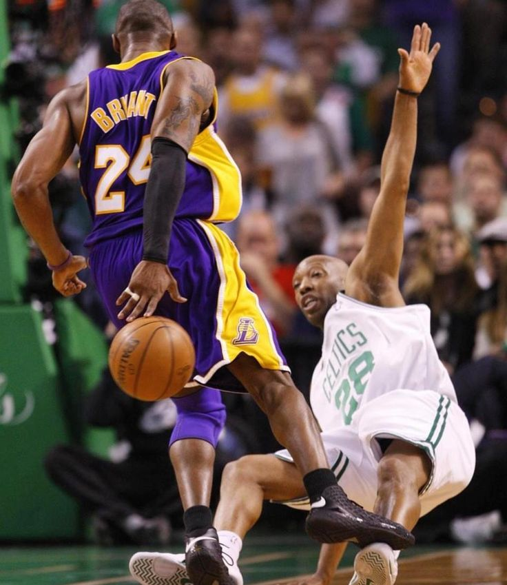 Sam Cassel where the D at?! Kobe with the behind the back