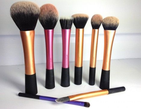 my favorite makeup brushes, Real Techniques. Cruelty free <3