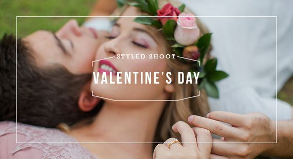 Our romantic Marsala inspired Valentine's Day engagement shoot for Andrea & Hoffman #Andrea #Streso #engagement #Marsala #picnic #wreath