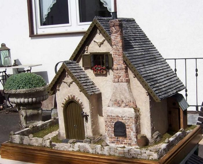 12 scale house by Karin Caspar