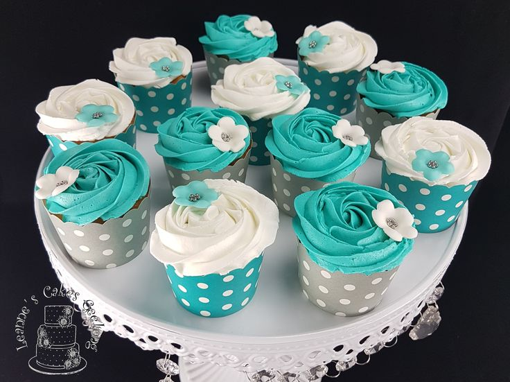 Vanilla cupcakes in teal and white to match the Teal Peony cake. There were 24 altogether. www.facebook.com/cakesbyleannerhodes