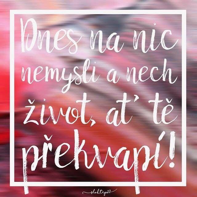 Věci v životě vždycky nejsou takové, jaké si je představujeme. Právě proto ho ale stojí za to žít, protože nás má vždy čím překvapit. ☕️ #sloktepo #motivacni #hrnky #mujzivot #miluju #prekvapeni #kafe #citaty #inspirace #mojevolba #dobranalada #originalgift #czech #praha #czechboy #czechgirl