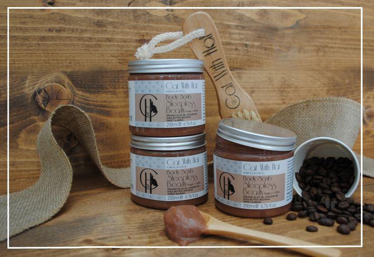 ▲Sleepless Beauty▲  Scrub Σώματος: Καφές- 200ml (Με Λάδι Ελιάς Οργανικής Καλλιέργειας-Άλατα Νεκράς Θάλασσας-Έλαιο Αμυγδάλου-Αλόη Βέρα-Βούτυρο Καριτέ-Μελισσοκέρι)  Απαλό απολεπιστικό σώματος πλούσιο σε φυσικά έλαια και βούτυρα, όπως λάδι ελιάς οργανικής καλλιέργειας πλούσιο σε αντιοξειδωτικά συστατικά, έλαιο αβοκάντο, βούτυρο καριτέ και μελισσοκέρι που ενυδατώνουν και χαρίζουν ελαστικότητα και μεταξένια υφή στην επιδερμίδα. Οι κόκκοι από αλάτι νεκράς θάλασσας απομακρύνουν τα νεκρά κύτταρα