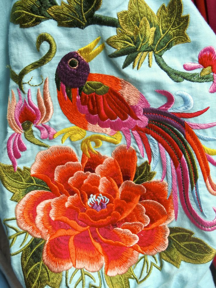 coquita gorgeous vivid colors on this embroidery