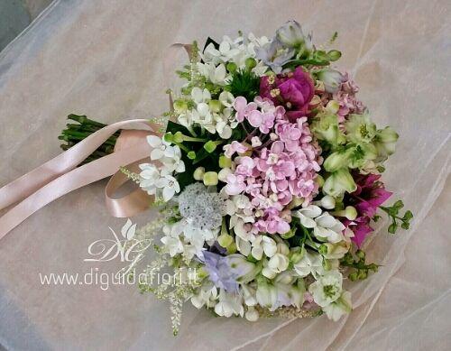 Bouquet  da sposa dai colori estivi