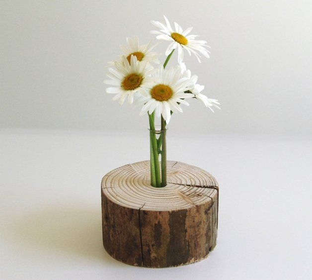 Stylische Vase im Baumstamm als Deko für dein Wohnzimmer, Esszimmer, Schlafzimmer etc., Natur Vase mit Holz Scheibe als Dekoartikel, schickes Deko Accessoire / Stylish vase with tree trunk as decoration for your living room, dining room, bed room etc., nature vase with wooden disc beautiful deco accessory by Holzsiegel via DaWanda.com