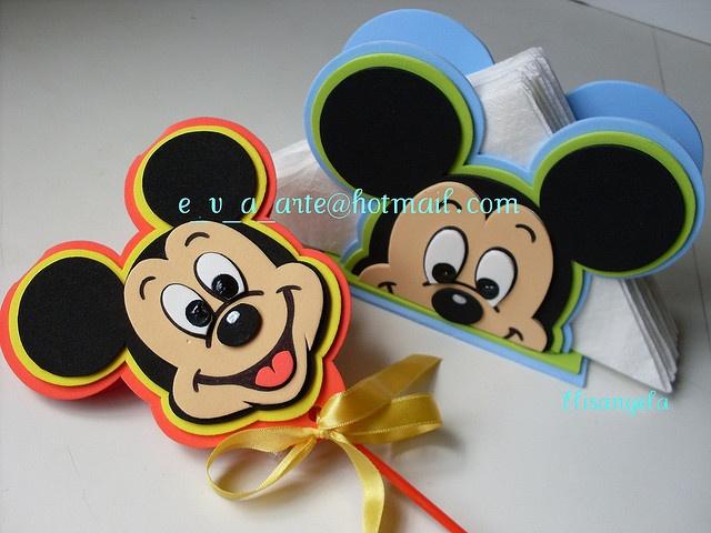Mickey Mouse by * * * e.v.a. é meu VÍCIO* * *, via Flickr