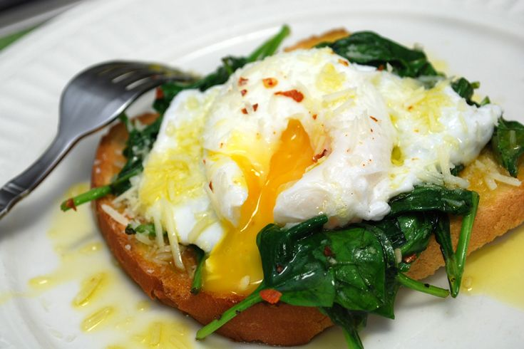 Nutritional analysis per serving: calories 81, carbohydrates 4.7 g, fiber 1.6 g, protein 7.2 g, fat 4.7 g, cholesterol 186 mg, sodium 99 mg, calcium 87 mg. Poached Eggs over Spinach RecipeBy Mark Hyman, MD Published: July 31, 2012Yield: 4 ServingsPrep: 2 minsCook: 3-4 minsReady In: 5 minsNutritional analysis per serving: calories 81, carbohydrates 4.7 …