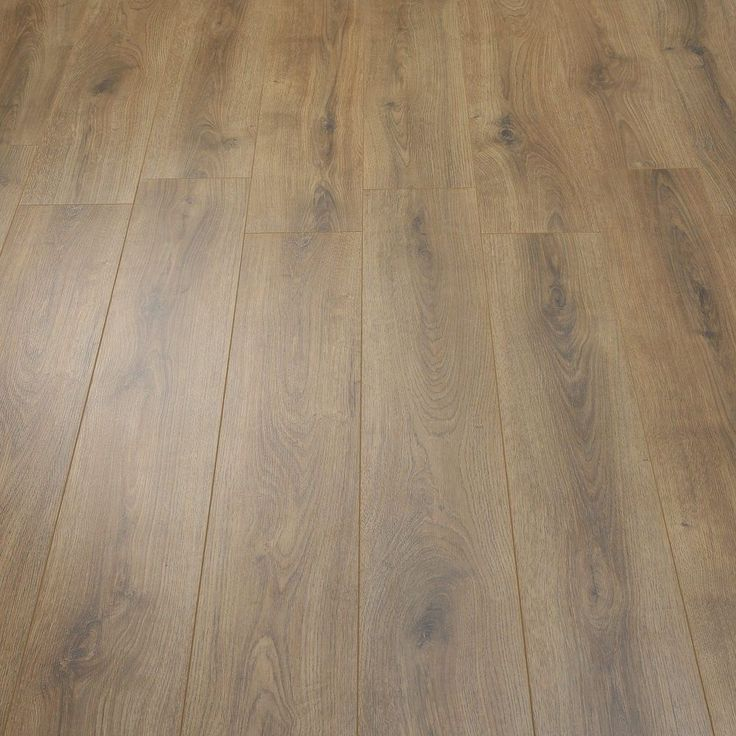 Best 25 Oak Laminate Flooring Ideas On Pinterest