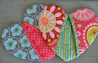 Oven Mitts- gift idea? Great project to use up all my odds and ends