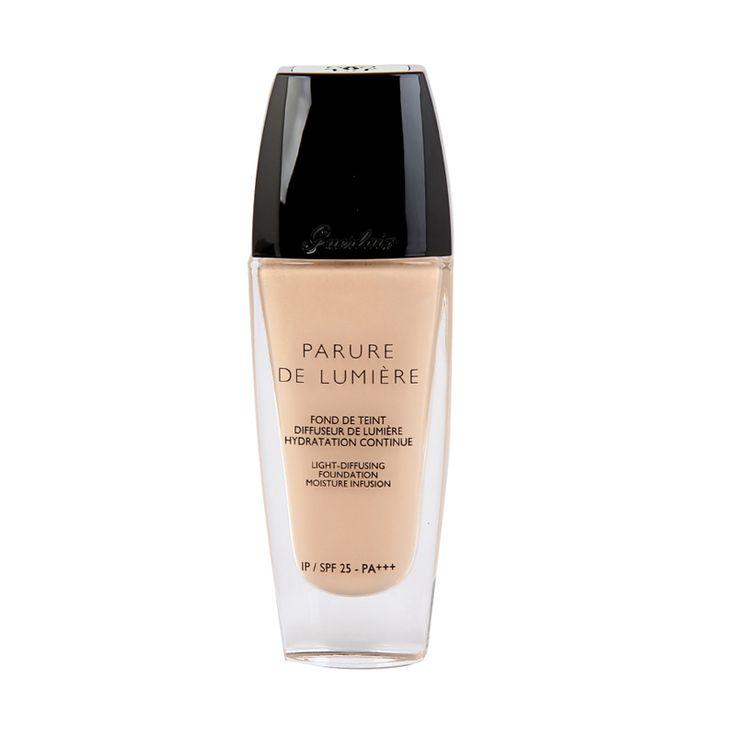 Guerlain crea per un perfetto make up, il fondotinta parure de lumiere, per idratare e donare luminosità al viso. www.profumissimaonline.com