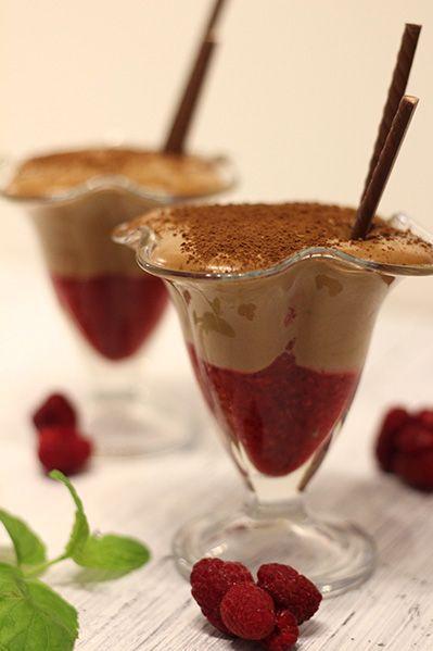 Mus czekoladowy z malinami