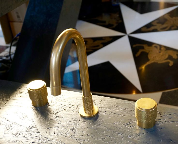 Love this brushed brass tap but don't know its name! Do know I photographed it at CDW 2016 in the 'Detail' exhibition and its by the Watermark Collection :)