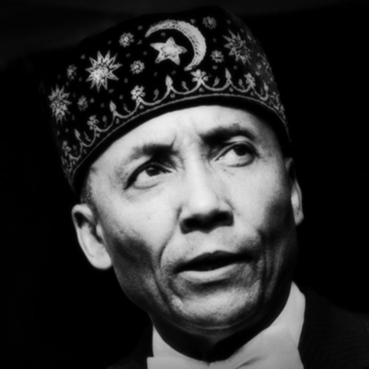 the life and leadership of the religious leader louis farrakhan Why is support for racism and anti-semitism alive and well within the liberal leadership of  nation of islam leader louis farrakhan who  religious rights.