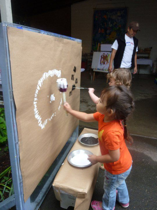 Large brown paper to paint - Creative Children's Center ≈≈ http://www.pinterest.com/kinderooacademy/art-projects/