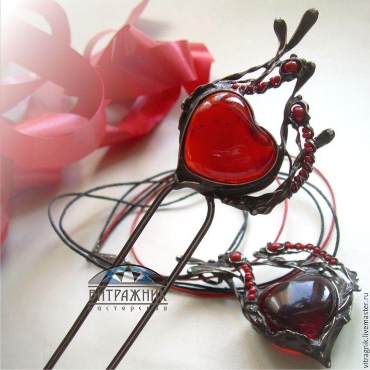 """Купить Шпилька """"Пламенное сердце"""" - техника тиффани, подарок девушке, подарок женщине, украшение с сердцем"""