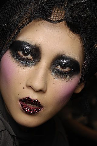 glittery eyes & lips at john galliano spring 2008