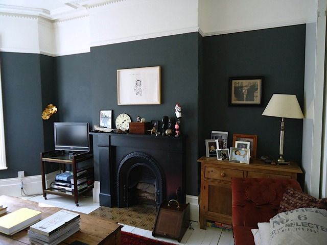 paint it black! my sitting room at madaboutthehouse.com painted in Farrow & Ball Downpipe