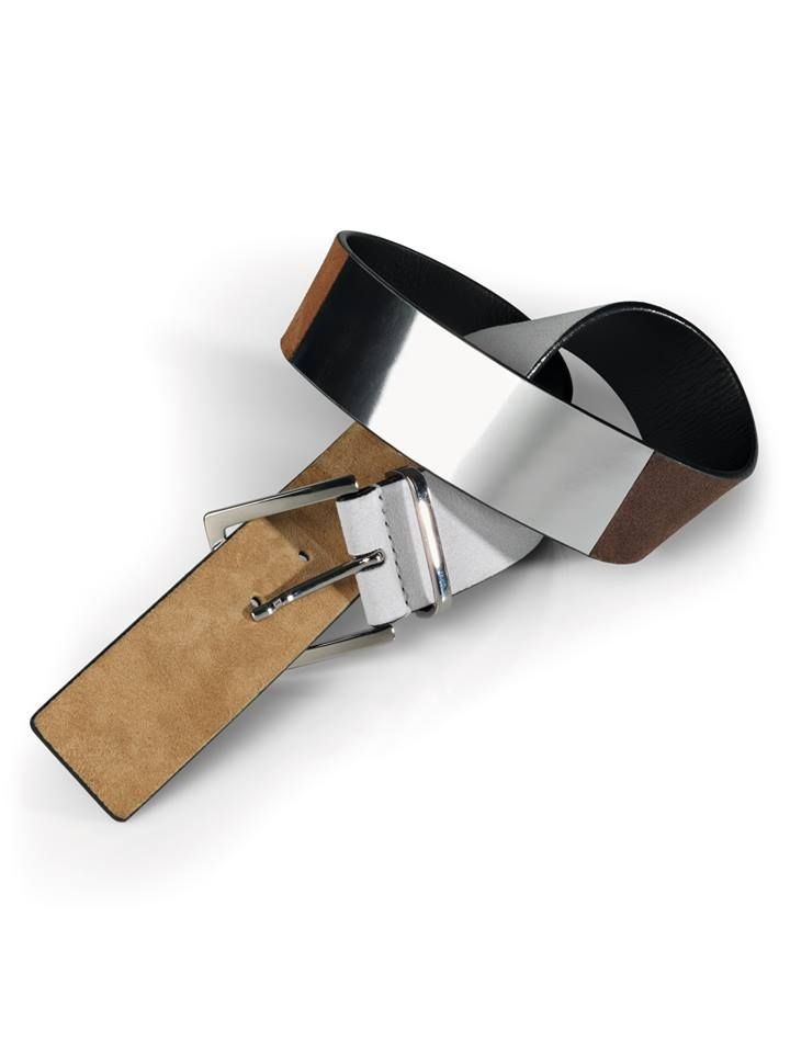 The Colora Belt by Wolford adds an element of style to any casual outfit