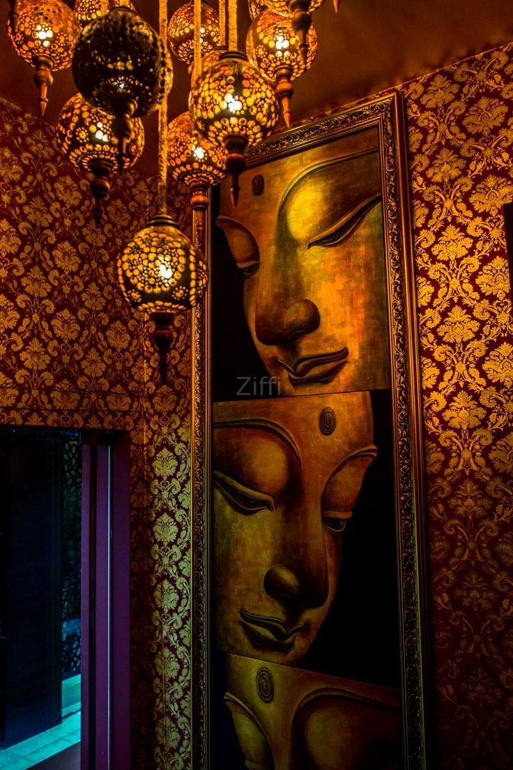 At Aura Thai Spa in Lokhandwala, Cool & attractive objects are used to design the interiors, this makes the ambiance really great.