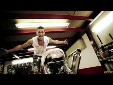 Sakis Arseniou - Erotoxtypimenos | Ερωτοχτυπημένος (Official VideoClip)
