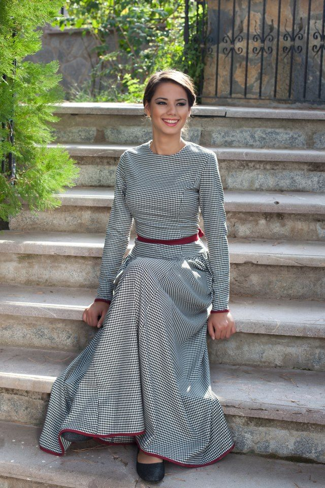 Long sleeved gray maxi dress