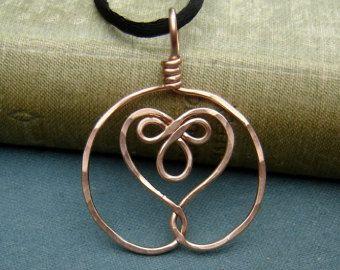 Celtic abbracciato cuore ottone ciondolo di nicholasandfelice