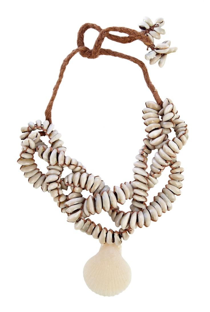 Emine natural shell necklace by By Malene BirgerMalen Birger, Emin Nature, Latest Design, Favorite Shells, Shells Necklaces, Design Fashion, Shells Design, Fun Jewelry, Nature Shells