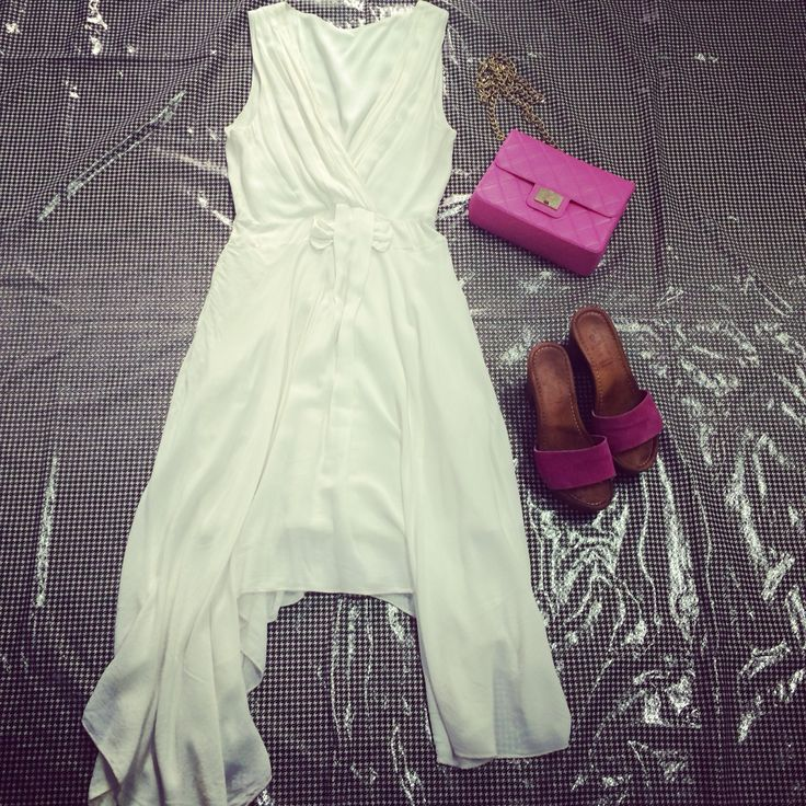Elegant and fresh outfit hawik. Dress with different lenghts combines with colorful things, like sandals and shoulder bag. On our website : www.hawik.com  DISCOUNT 30%