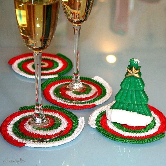 Posavasos de ganchillo. Juego de 4 piezas. Rojo. Verde. Blanco. Espiral. Año Nuevo. Servilletas mantel individual.