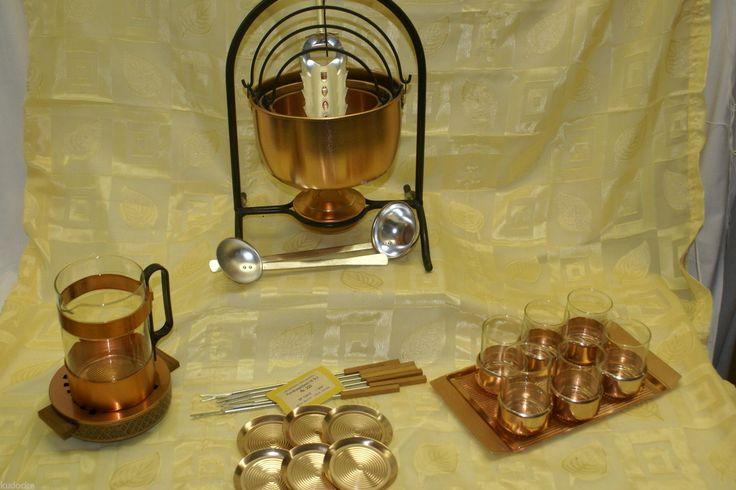 DDR Feuerzangenbowle Fondue für 6 Personen mit 6 Gläsern Bowle Set und mehr | eBay 100? Feuerzangenbowle / Fondue Set für 6 Personen aus Aluminium. Es besteht aus: Ständer 3 verschiedene Töpfe 15/18/21,5 cm Durchmesser 6 Gläser mit Untersätzer und Tablett 2 Kellen 6 Fonduegabeln(neu) Stövchen und eine Kanne eine Zuckerzange ein Brenner