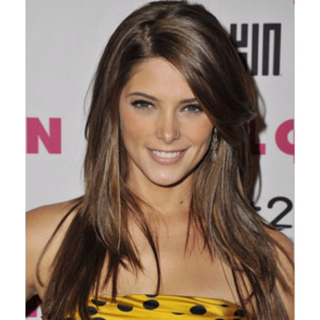 Gotta love Ashley Greene-I'm definitely growing my hair out to this.
